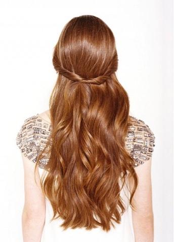 #hair #updo #inspiration #cabelo #inspiração #penteado #princesa #princess #feminina #romântica #romantic #femin #rolled #bobpin