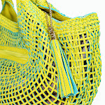L-shoulder-Pebble-Handbag-green-detail.jpg