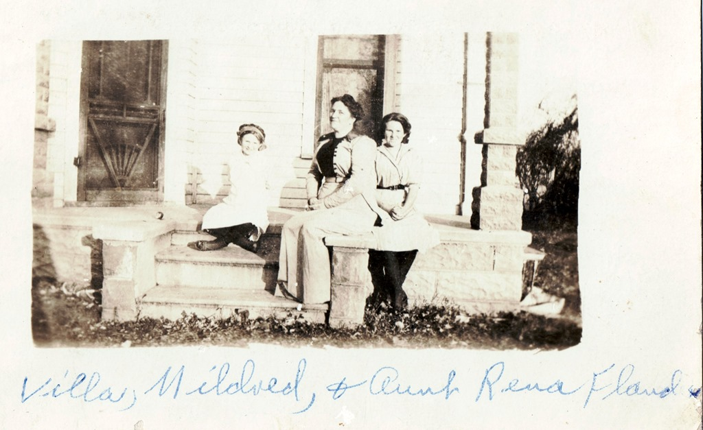 [Flanders%2C+Lorena+%27Rena%27+%28Mrs.+Truman%29%2C+daughters+Villa+and+Mildred.%5B6%5D]