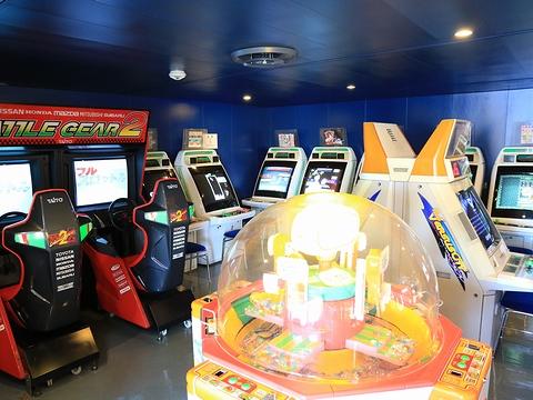 新日本海フェリー「らいらっく」 4階ゲームコーナー