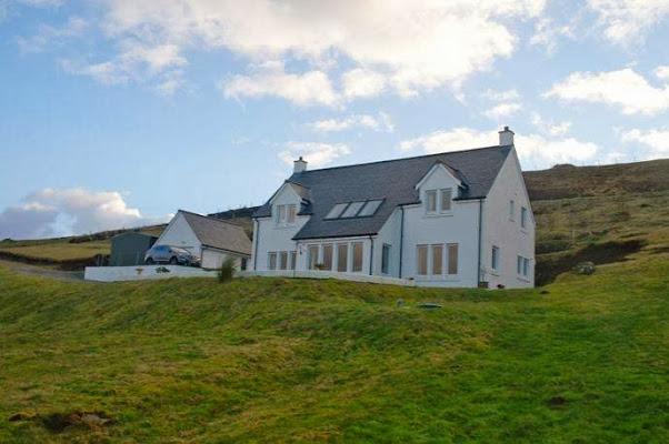 Lochshore House B&B, Kildonan, Edinbane, Portree, Isle Of Skye IV51 9PU, United Kingdom