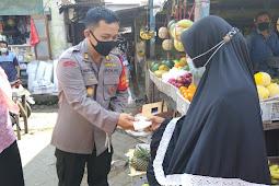Ingatkan Disiplin Prokes, Polresta Sidoarjo dan Jajaran Bagikan 50.000 Masker
