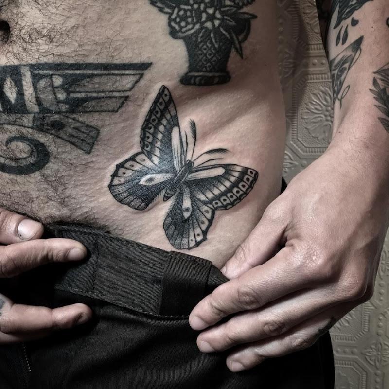 esse_safadinho_traça_tatuagem