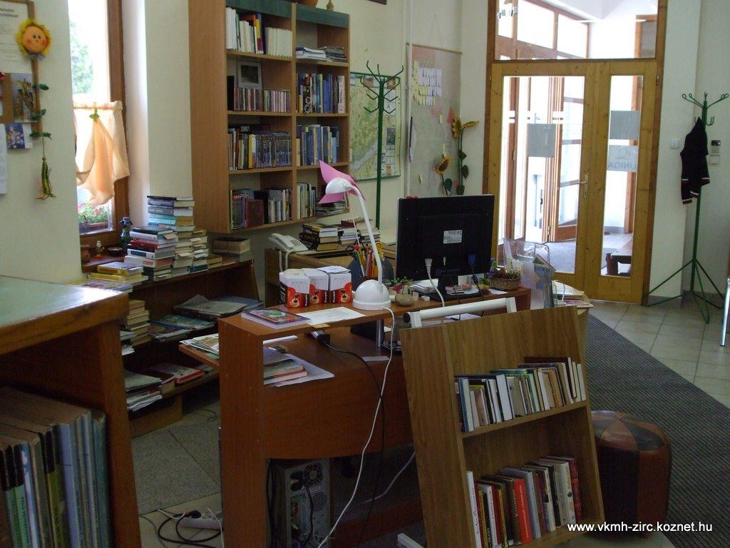 2009 jan. könyvtár 005.jpg rel=
