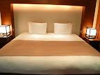 翠松園 部屋のベッド