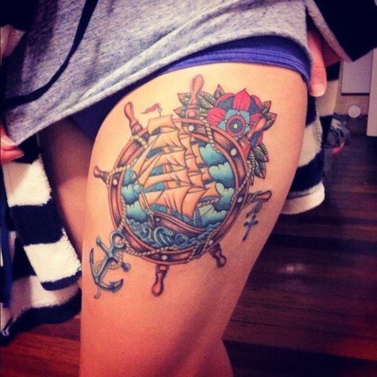 sexy_ncora_do_navio-coxa_de_tatuagem