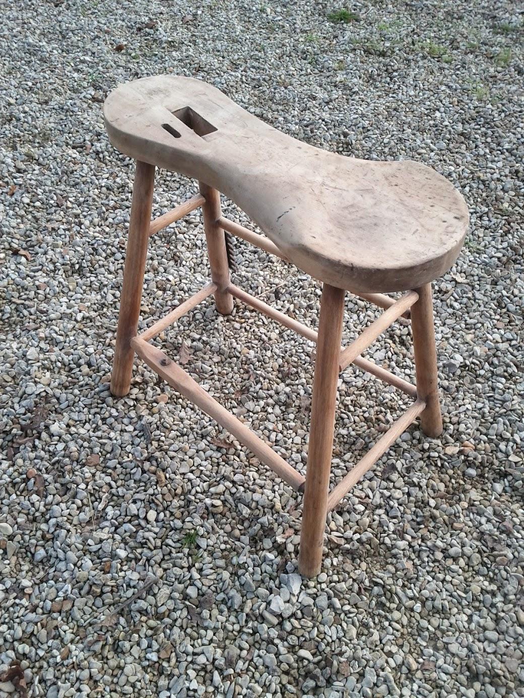 travail du cuir restauration banc bourrelier les outils travail du cuir. Black Bedroom Furniture Sets. Home Design Ideas