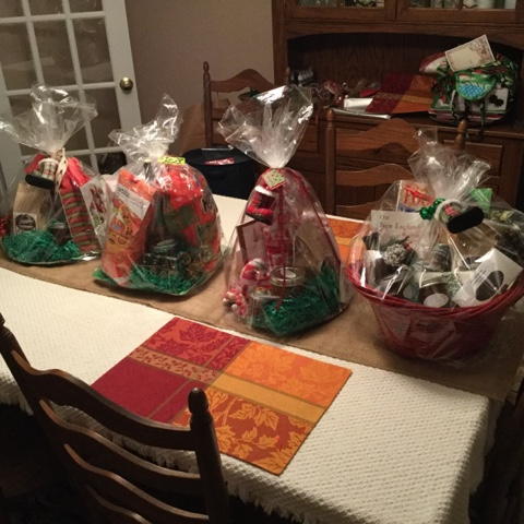Celtic Heart Knitting and Quilting: Christmas Gift Baskets
