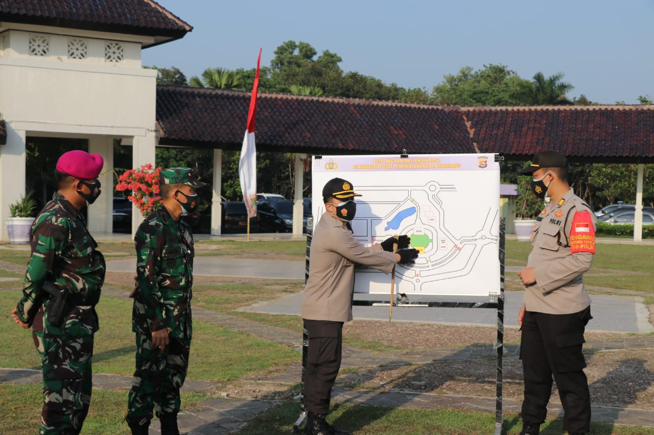 Dandim 0510/Trs bersama Kapolresta Pimpin Apel Pengamanan Aksi Buruh