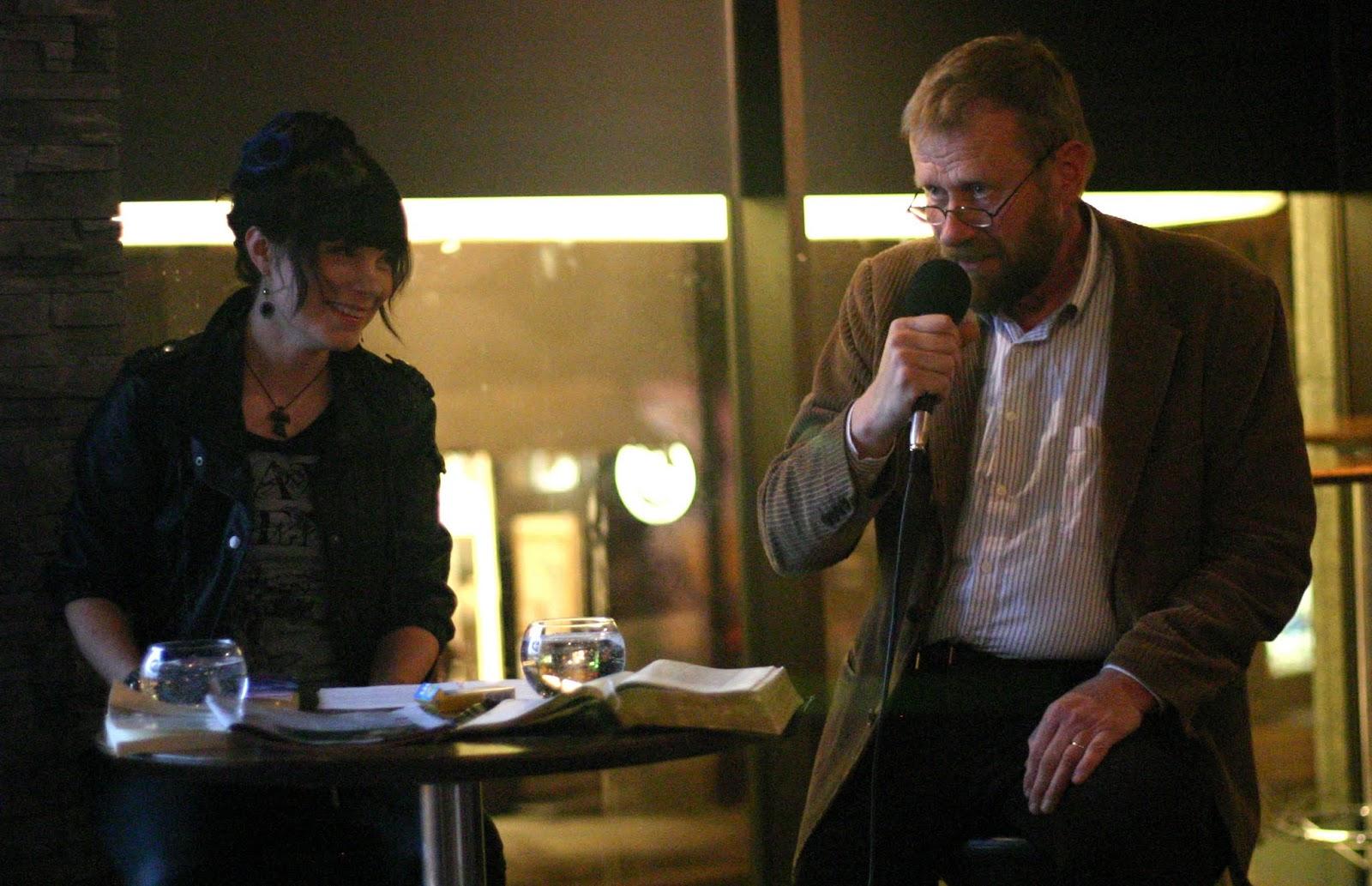 Kauhuskenaario 31.10.2012 - Laura_ja_Lennart2.jpg