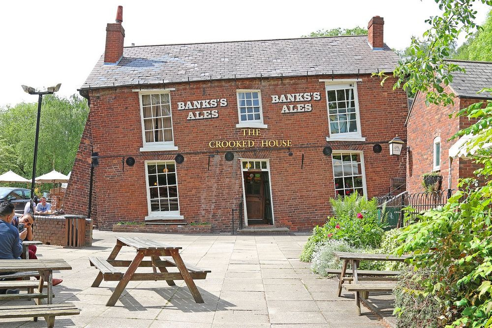crooked-house-himley-8