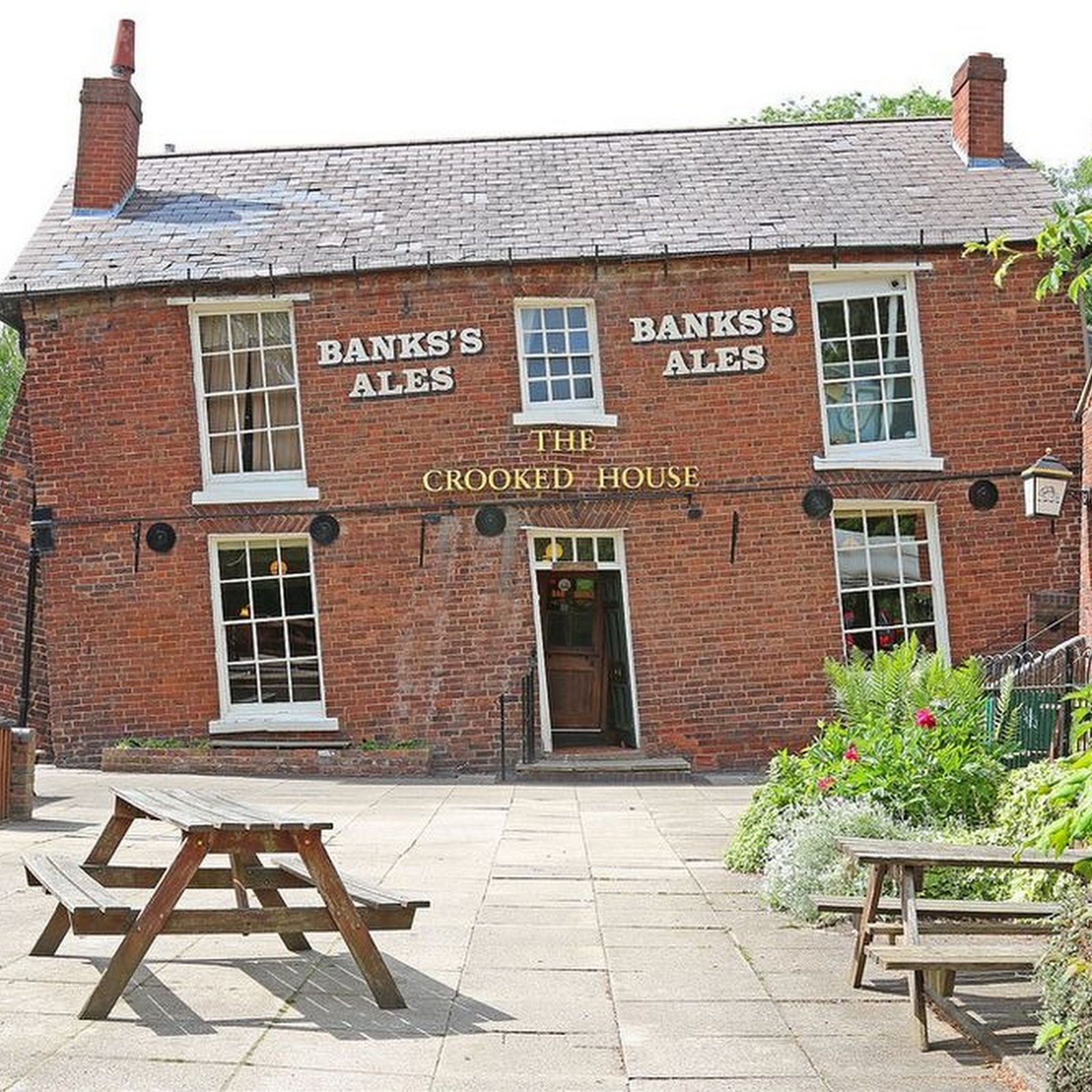 The Crooked House of Himley