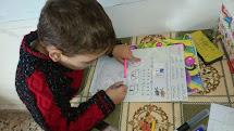 Program Peníze za práci pomáhá dětem vedle vzdělávání také vyrovnat se s válečnou atmosférou, ve které musí žít. (Foto: Archiv ČvT)