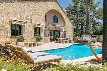 Villa 448 m2