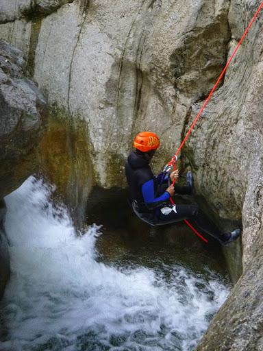 Rappel descente canyon du cramassouri