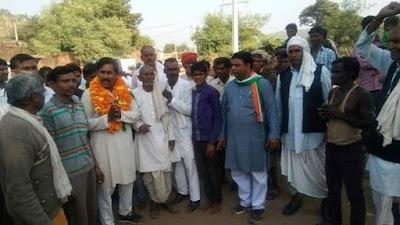 विद्यायक सुरेश राठखेड़ा की आभार रैली मैं शामिल हुए सैकड़ो कार्यकर्ता