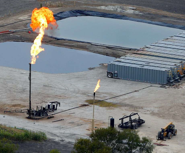 Emissions from the Eagle Ford Shale are thought to be adversely affecting San Antonio's air quality. Photo: William Luther / San Antonio Express-News