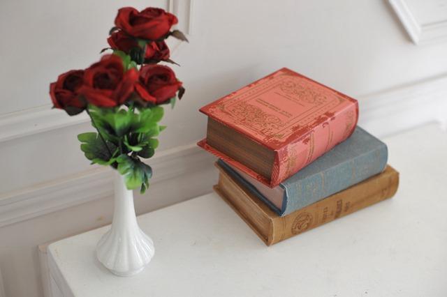 辞書とバラ