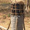 2012-09-24 09-22 Tak się pakuje węgiel drzewny.JPG