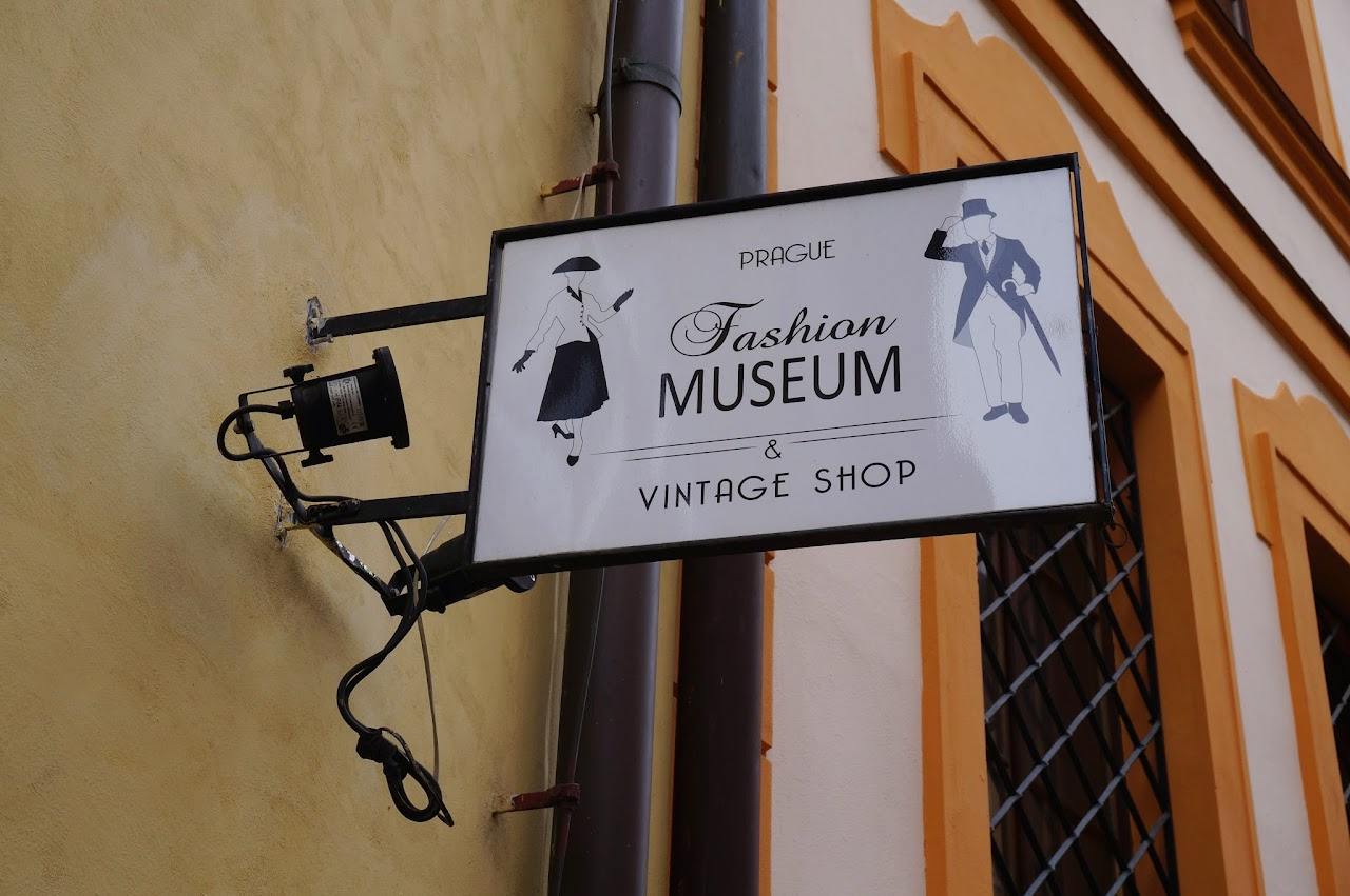 Картинки по запросу Пражском музее моды