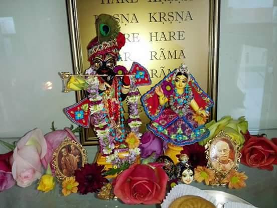 ISKCON Hungary Deity Darshan 26 Dec 2015 (6)