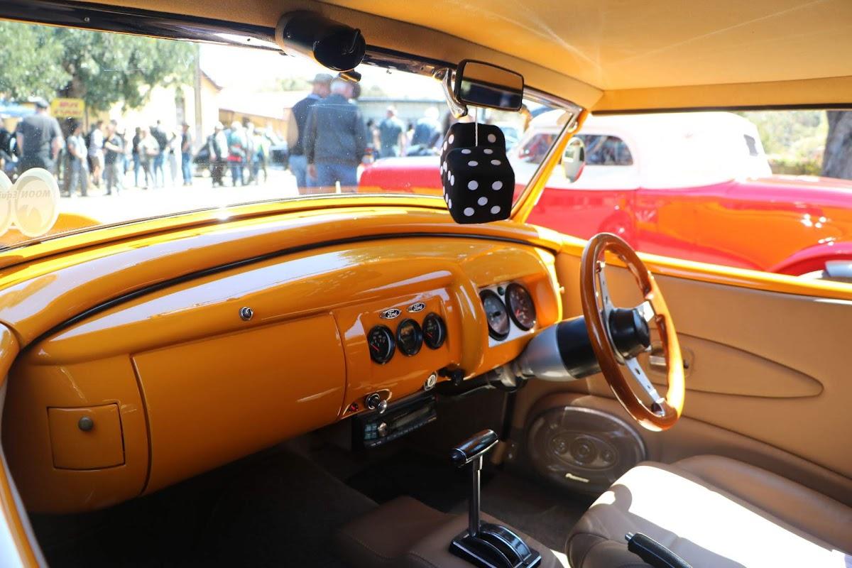 1935 Ford Hot Rod (04).jpg