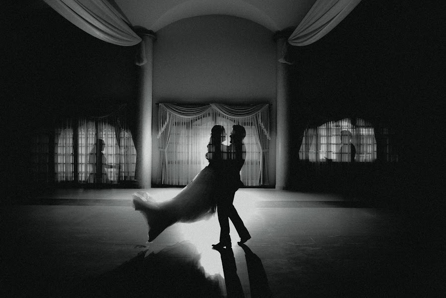 Wedding photographer Valery Garnica (focusmilebodas2). Photo of 04.07.2018