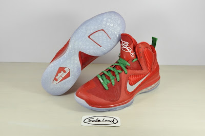 nike lebron 9 gr christmas 2 06 Detailed Look at Nike LeBron 9 Christmas