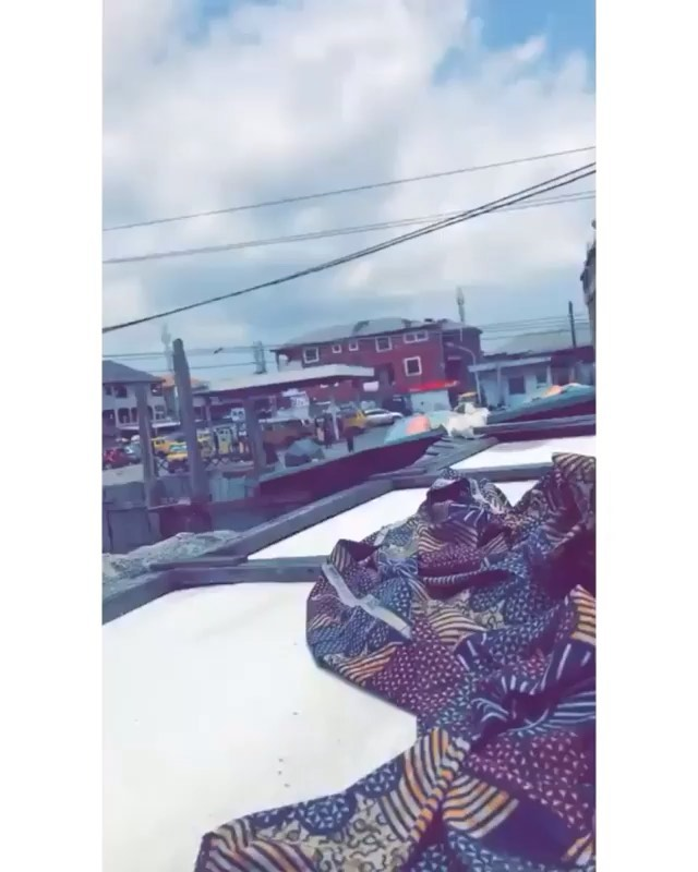 Police Officers Shooting At People In Mushin, Lagos (Video)