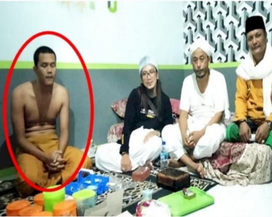 Viral Ustaz di Sukabumi Ngaku Wali Allah, Dilantik Nyi Roro Kidul, Salatnya Tak Pakai Baju