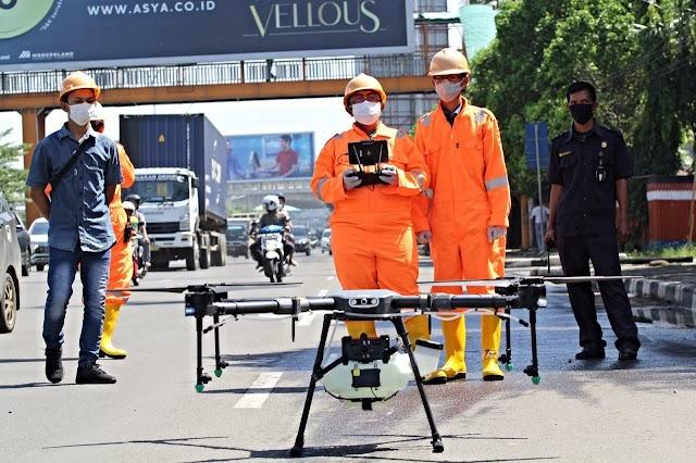 Penyemprotan Disinfektan Jalan Protokol Kota Bekasi Menggunakan Drone