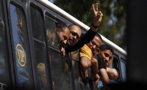 Exchange of Gilad Shalit for 1027 Arab Prisoners Arabs4