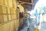 Turunkan Angka Penderita Malaria, Satgas Pamtas Yonif 403/WP Melaksanakan Penyemprotan IRS Ficam dan Pembagian Kelambu