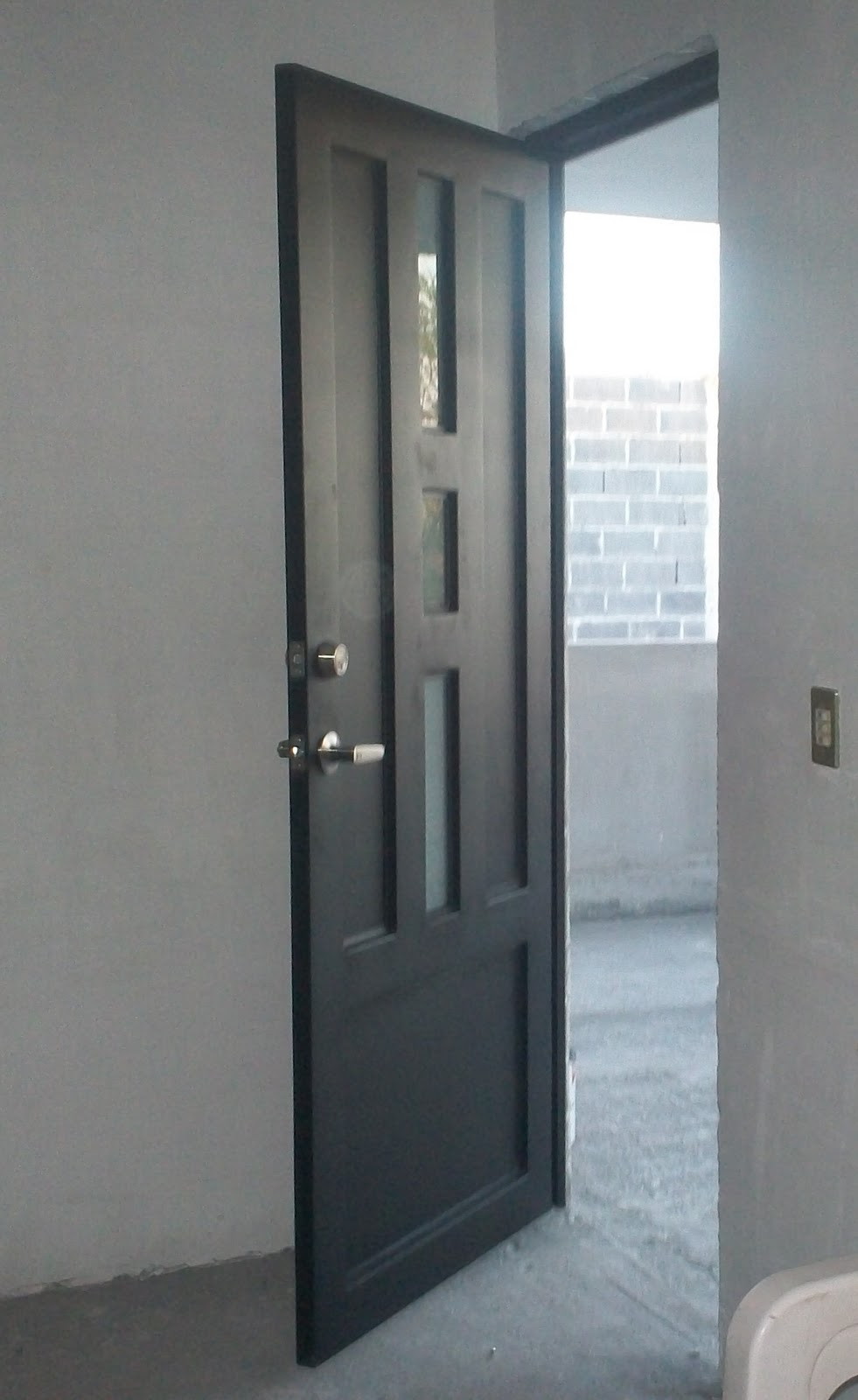 Puertas de hierro modernas simple puerta de entrada for Modelos de puertas de fierro modernas