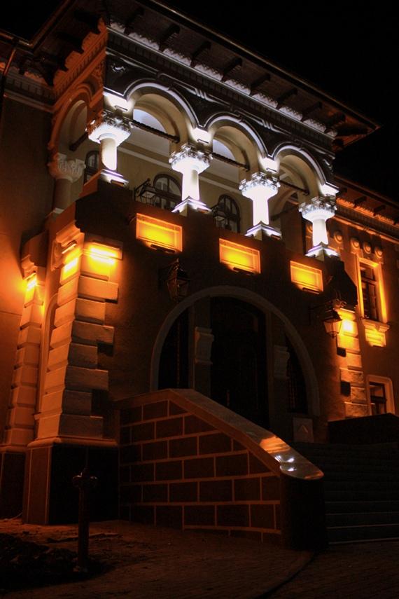 Muzeul Ion Irimescu din Fălticeni, iluminat ca-n poveşti