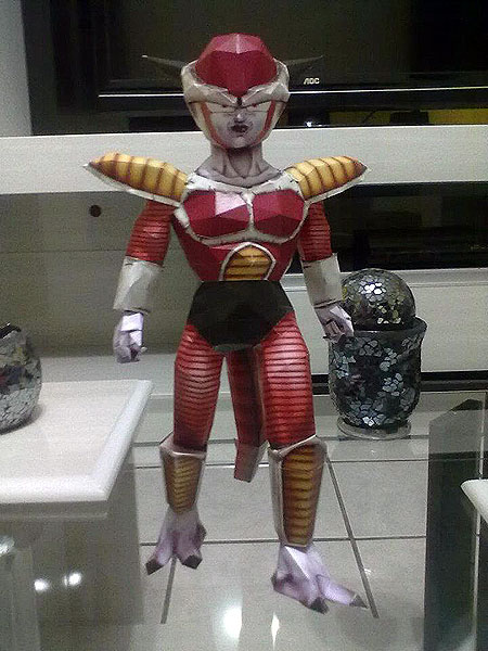 Frieza Papercraft