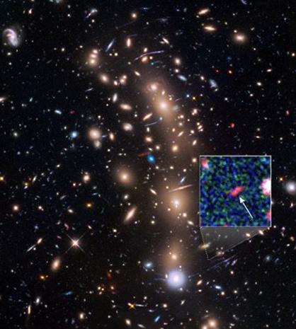 galáxia muito distante