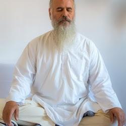 Satguru-Sirio-Ji-aim-to-the-absolute-reality-spirituality-surat-shabd-yoga-meditation.jpg