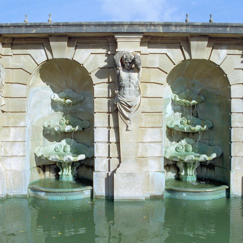 Blenheim_11 Fountain.jpg