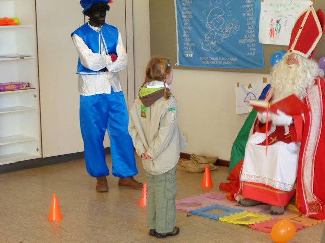 Sinterklaas op de scouts - 1 december 2013 - DSC00211.JPG