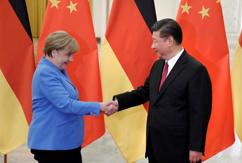 Protes in Hongkong maak Merkel se reis na China ingewikkeld