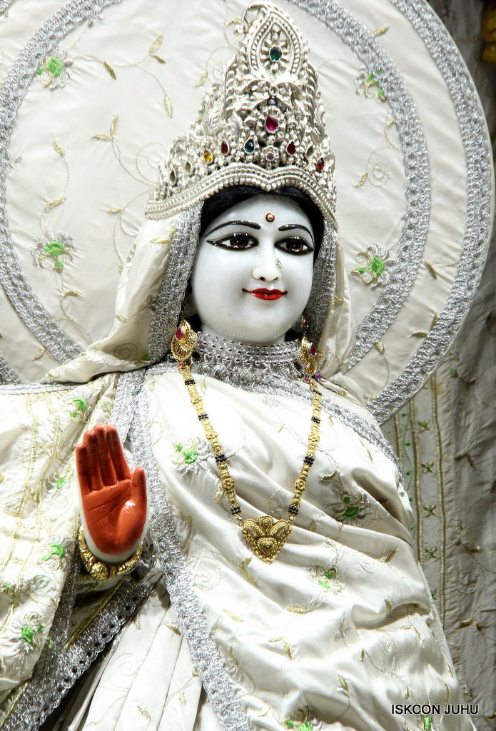 ISKCON Juhu Mangal Deity Darshan on 8th Sep 2016 (32)