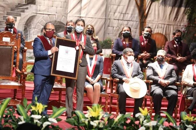 Presidenta del Congreso fue declarada Huésped Ilustre de Arequipa