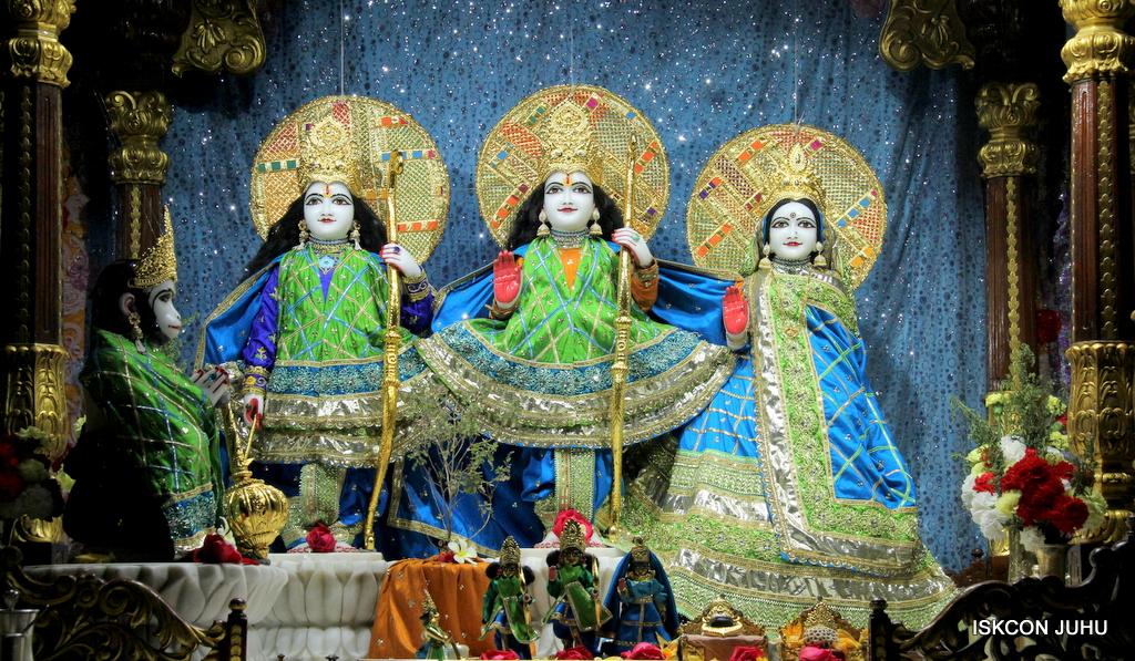 ISKCON Juhu Mangal Deity Darshan on 20th Jan 2017 (3)