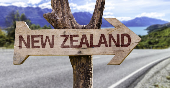 new-zealand-tourist-sign.jpg