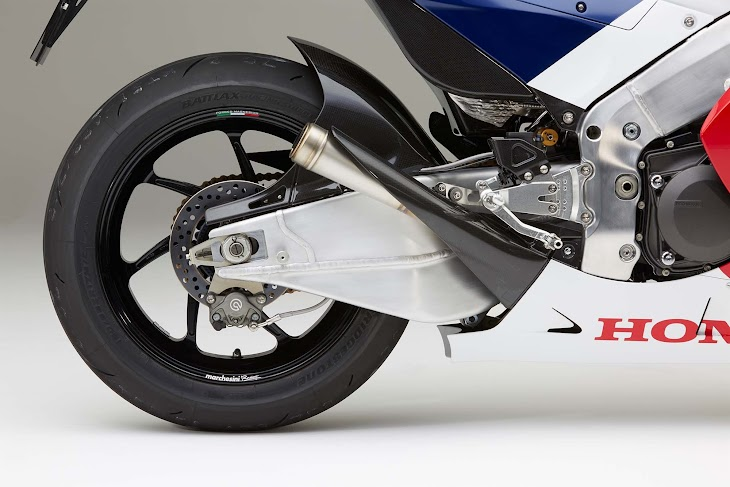 2016-Honda-RC213V-S-street-bike-44.jpg