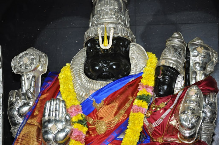 Sri Lakshmi Narasimha Slokas Devotional MP3 Songs