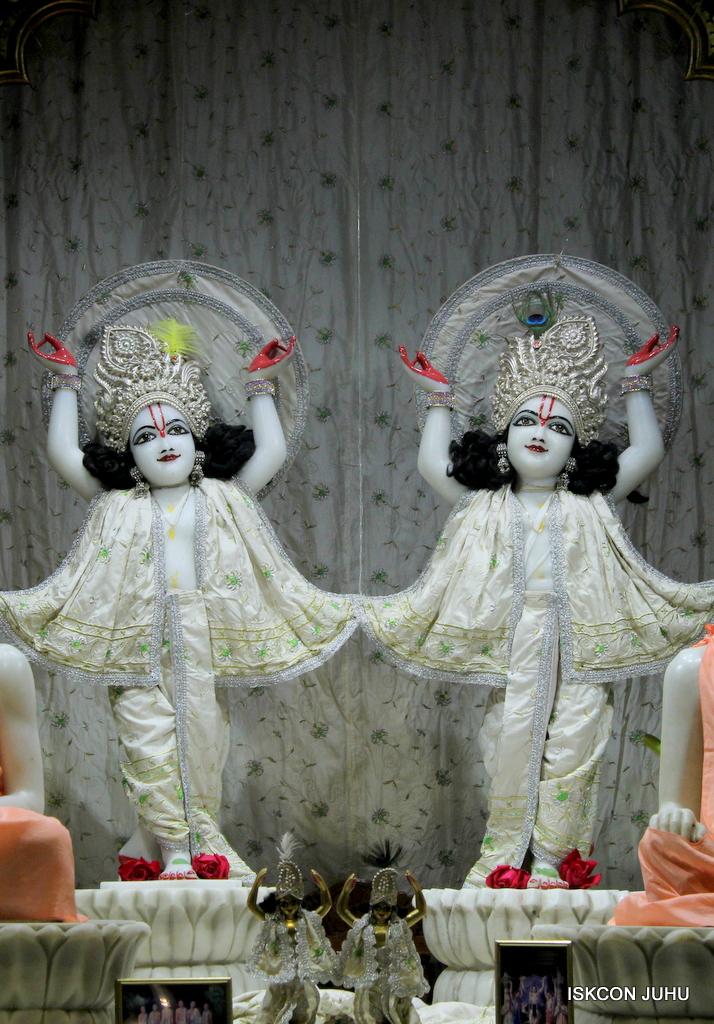 ISKCON Juhu Mangal Deity Darshan on 21st Oct 2016 (34)
