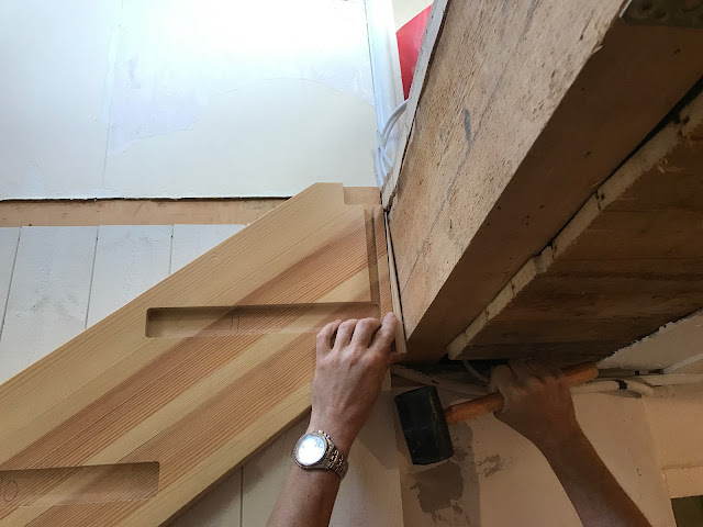Lattematte (villaliv i Enskede): FÃ¥tt upp trappan (bygga trappa)