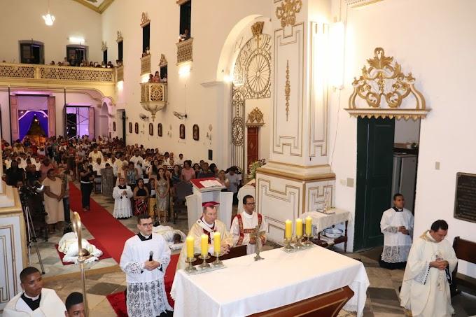 Centenas de fiéis prestigiam ordenação presbiteral em Maruim